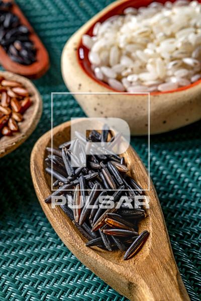 Detalhe de arroz negro também conhecido por arroz preto