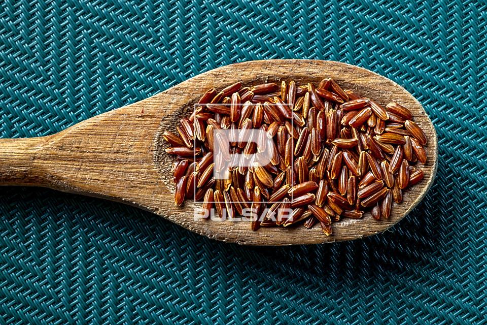 Detalhe de arroz vermelho