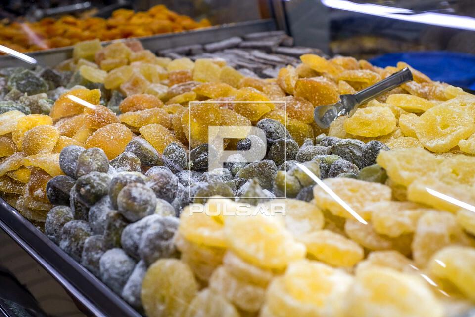 Frutas cristalizadas à venda