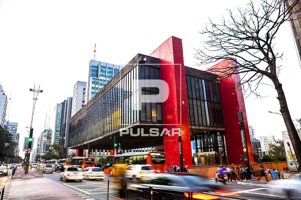MASP Museu de Arte de São Paulo Assis Chateaubriand na avenida Paulista - bairro Bela Vista - inaugurado em 1