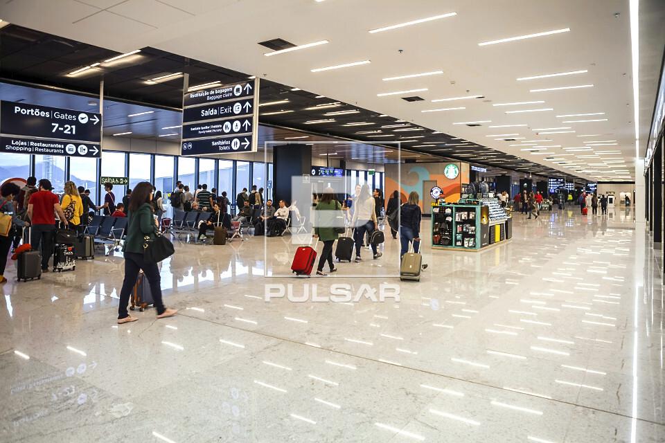 Vista interna do Aeroporto Internacional Hercílio Luz
