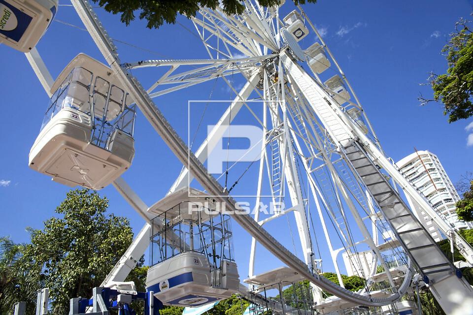 Roda-gigante - atração turística do Maringá Encantada