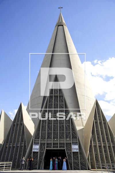 Catedral Nossa Senhora da Glória - projeto do arquiteto José Augusto Balucci - construída entre 1959 e 1972