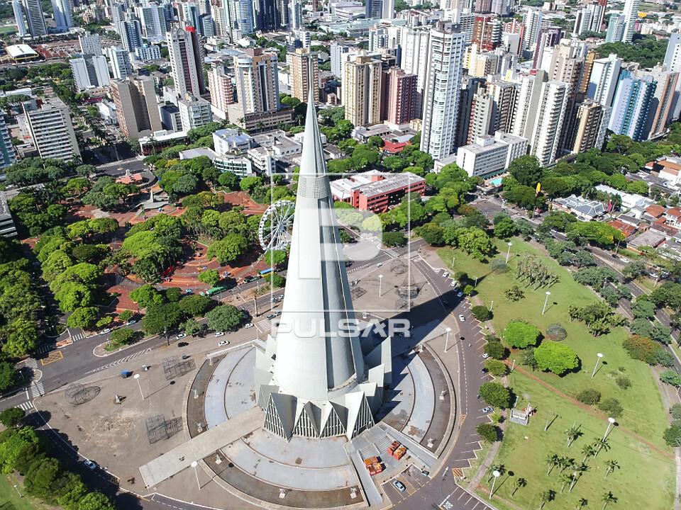 Vista de drone da Catedral Nossa Senhora da Glória - projeto do arquiteto José Augusto Balucci - construída