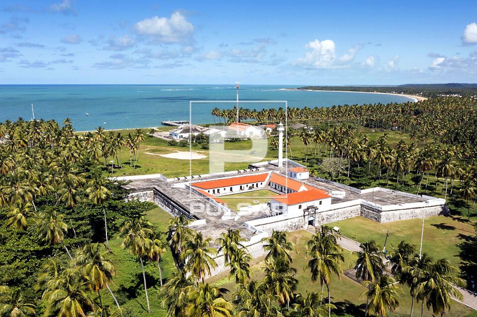 Vista de drone do Forte Santo Inácio de Loyola conhecido como Forte de Tamandaré - atualmente Museu Históri