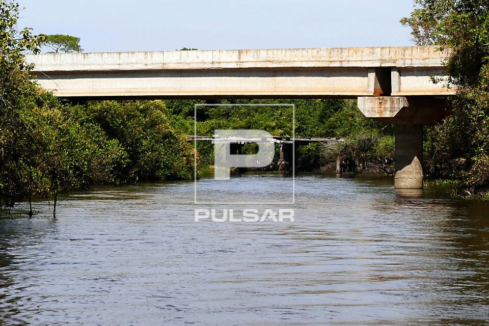 Pontes sobre o Rio Mutum