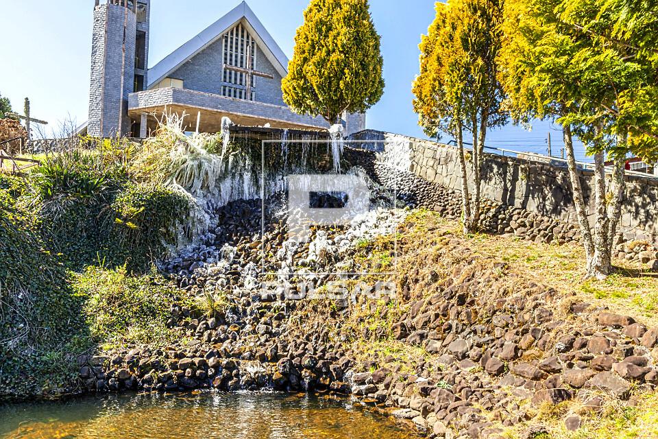 Igreja Matriz Santa Ana - cascata congelada causada por geada