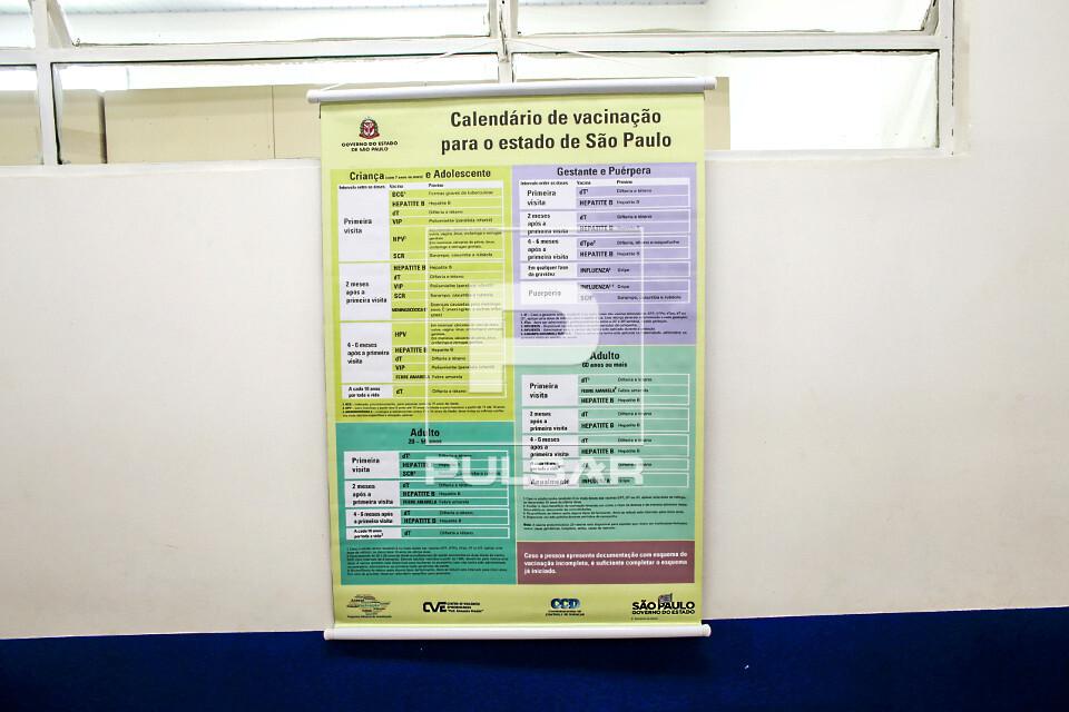 Detalhe de calendário de vacinação na UBS Unidade Básica de Saúde Boracea - bairro Barra Funda