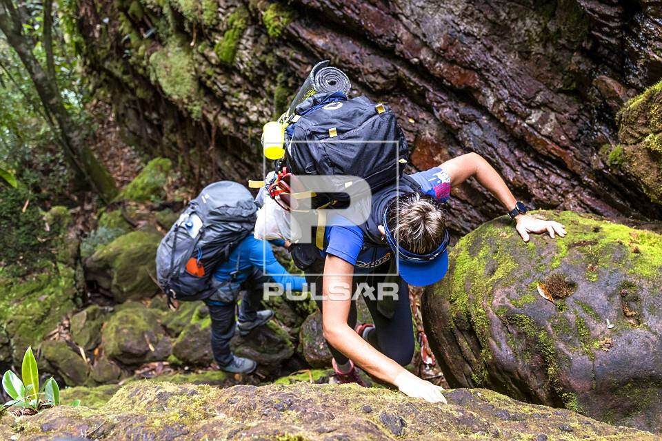 Ecoturistas subindo o Cânion da Fumacinha - Rio Una - Parque Nacional da Chapada Diamantina