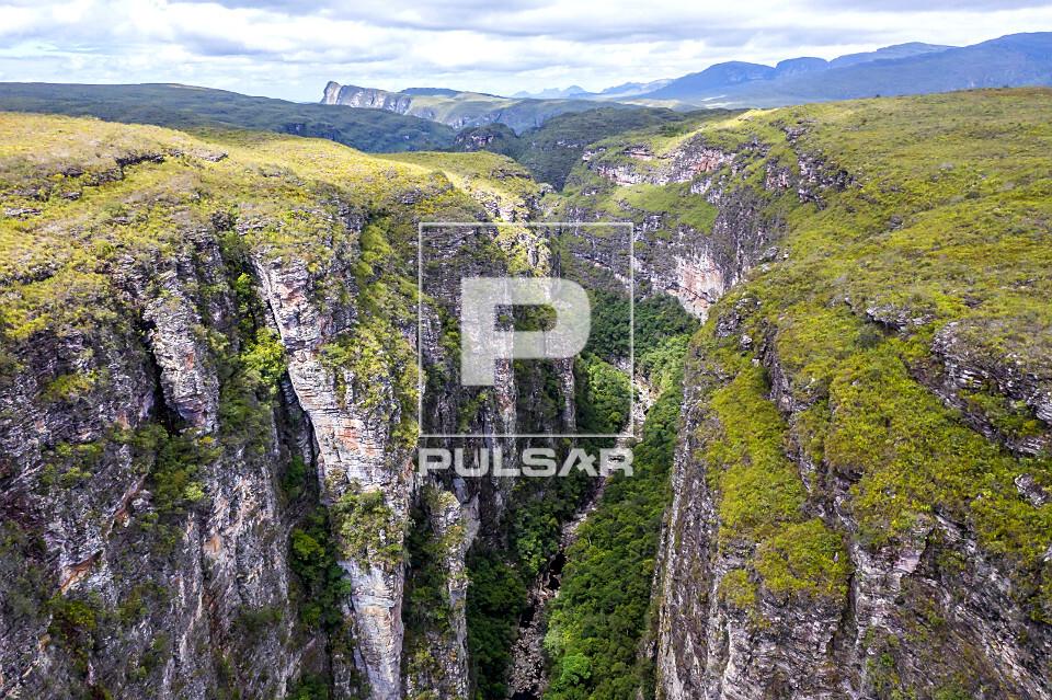 Vista de drone do Cânion da Cachoeira da Fumacinha - Parque Nacional da Chapada Diamantina