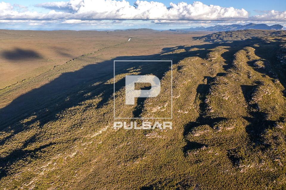 Vista de drone da Serra do Sincorá e Gerais do Rio Una - Parque Nacional da Chapada Diamantina
