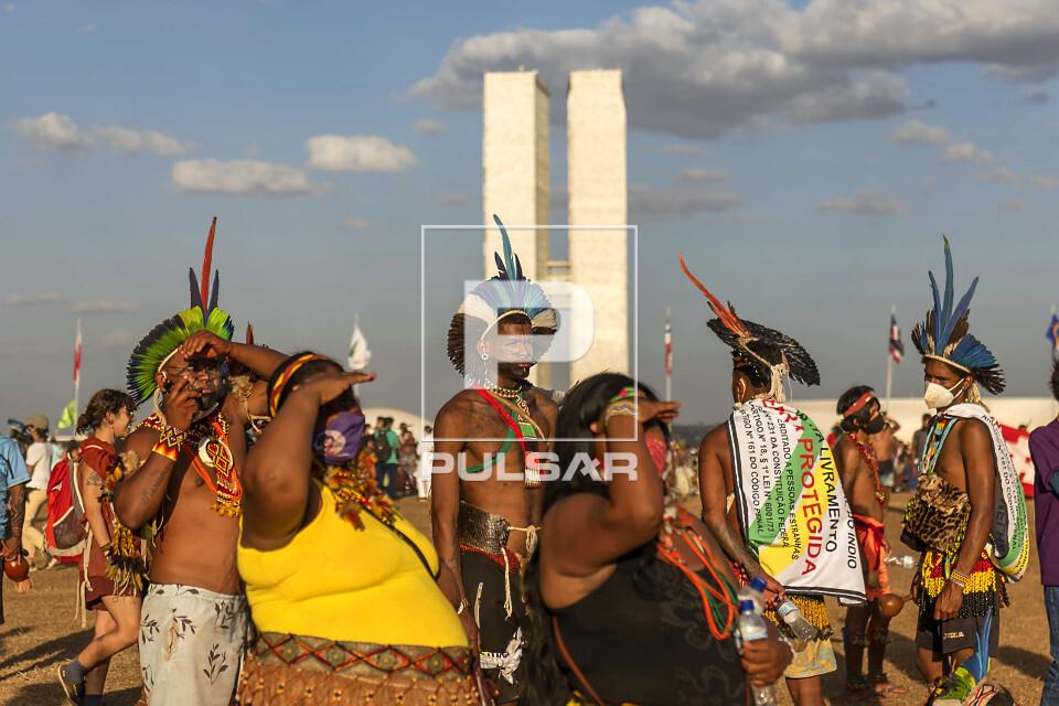 Manifestação dos povos indígenas na Esplanada dos Ministérios - contra Projeto de Lei 490 e julgamento do