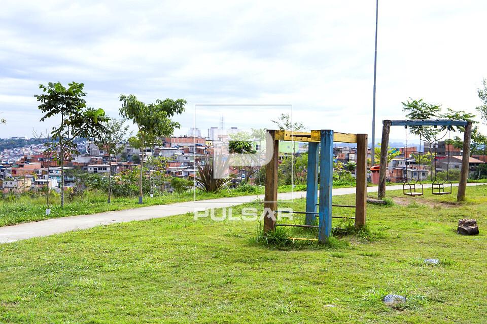 Playground no Parque Municipal Jardim da Conquista