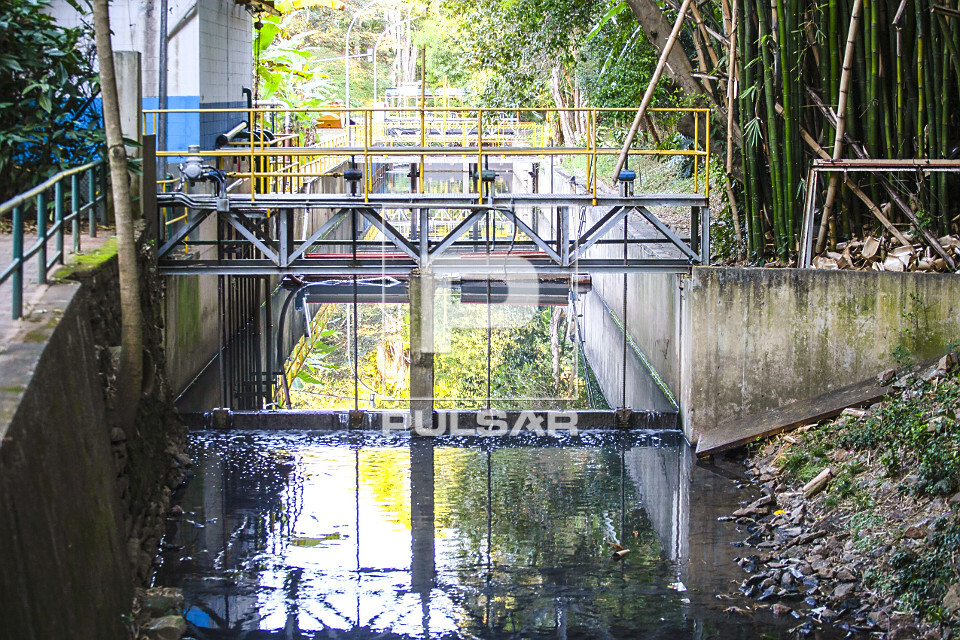 Estação de tratamento de esgoto das águas do córrego do Sapateiro antes de chegar a sua foz a qual deságu