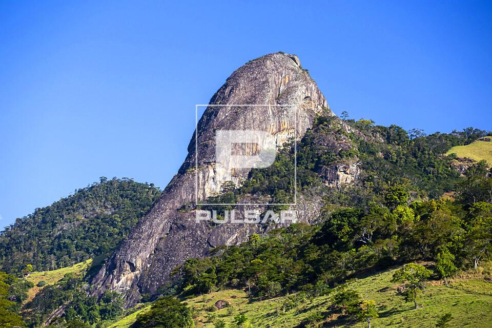 Formação rochosa - faz parte do Monumento Natural Estadual Serra das Torres
