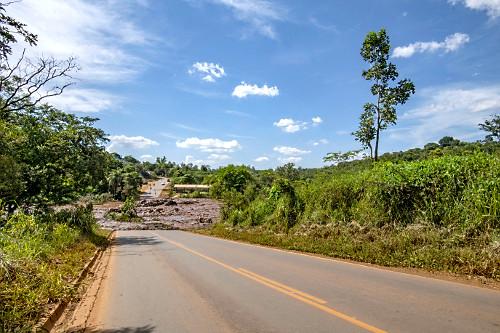 Interdição da MG-040 Rodovia Alberto Flores após rompimento da barragem da mina Córrego do Feijão - rejei