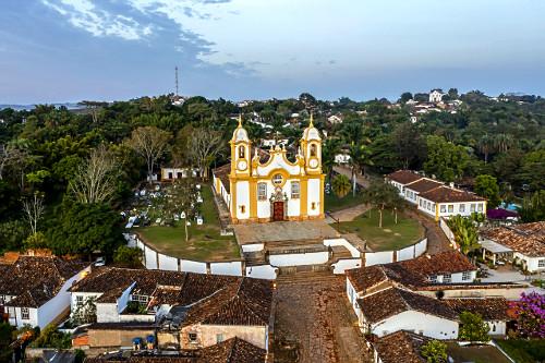 Vista de drone da Igreja Matriz de Santo Antônio - Circuito Turístico Trilha dos Inconfidentes