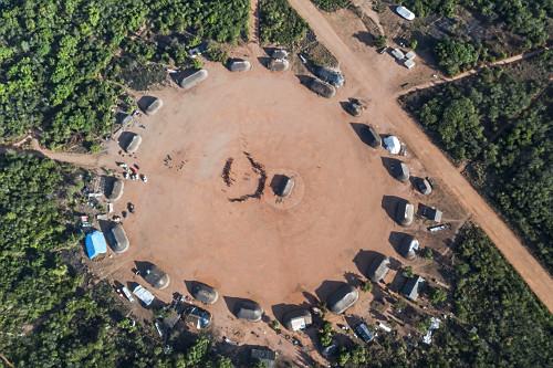 Vista de drone da aldeia Afukuri e etnia Kuikuro - Parque Indígena do Xingu