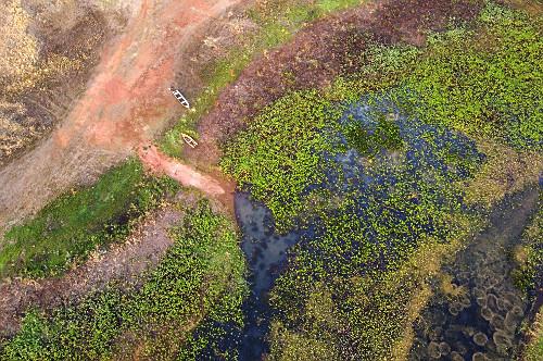 Vista de drone da seca no Ribeirão do Pádua - braço do reservatório de água da Usina Hidrelétrica de Ág