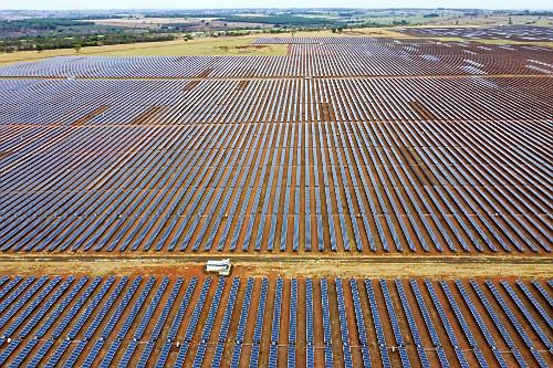 Vista de drone de usina solar