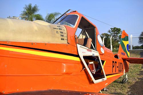 Avião monomotor agrícola no Aeroporto Estadual Moliterno de Dracena