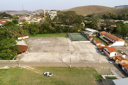 Vista de drone do Recinto de Festa Municipal Piquete