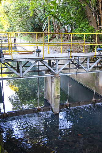 Estação de tratamento de esgoto das águas do córrego do Sapateiro antes de chegar a sua foz que deságua n