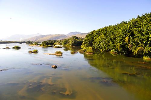 Leito do rio Paraíba do Sul