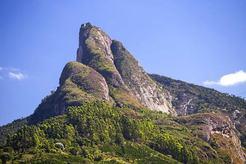 Pico dos Pontões no distrito Conceição do Muqui - faz parte do Monumento Natural Estadual de Serra das Torr