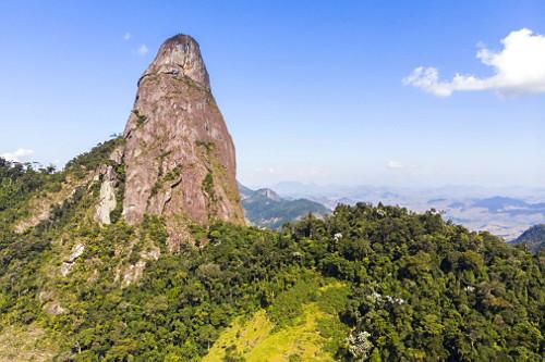 Pico do Farol inserido no Monumento Natural Estadual de Serra das Torres