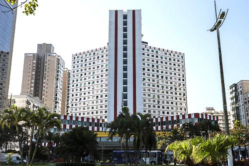 Condomínio Universo Palace no bairro José Menino
