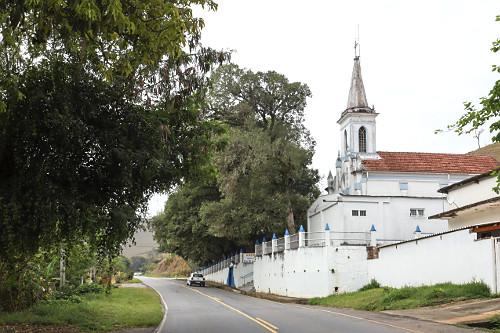 Santuário Diocesano de Nossa Senhora de Santa Cabeça na SP-068 Rodovia dos Tropeiros